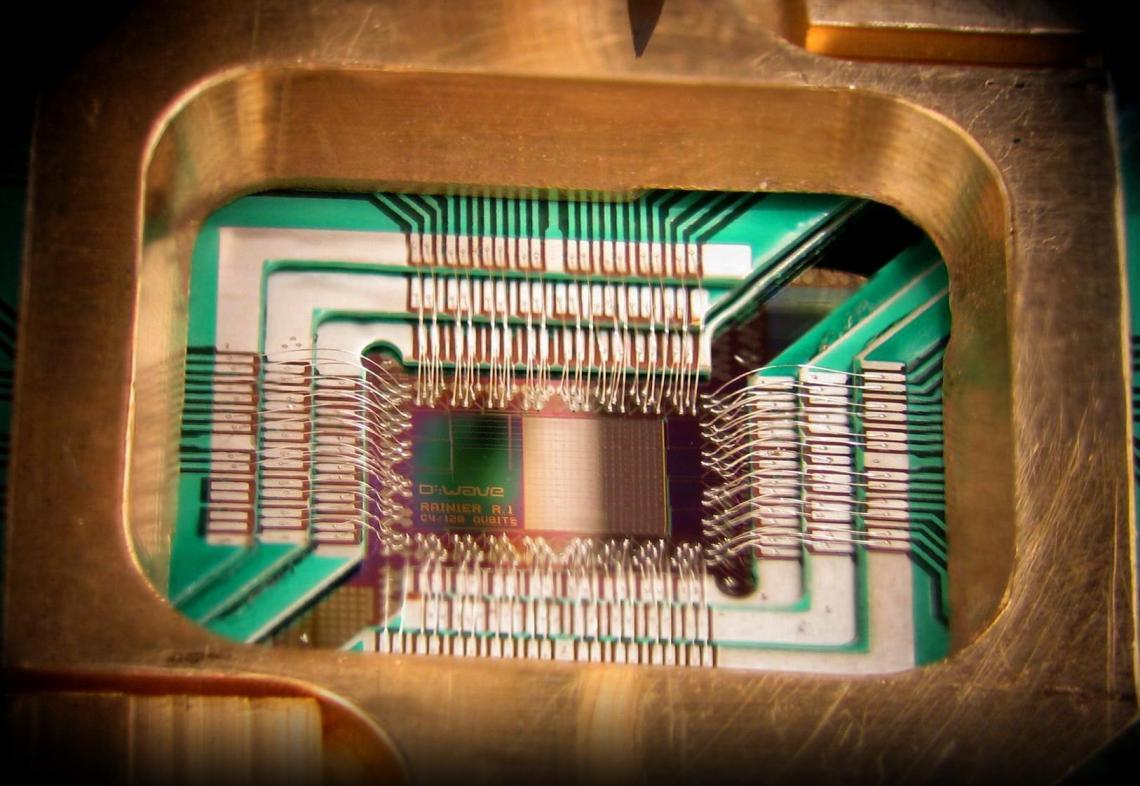 Puce quantique D WAVE, 128