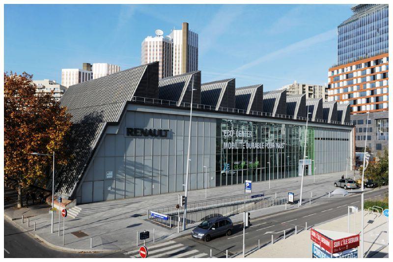 Immeuble 57métal, Boulogne Billancourt, ancien site Renault, arch. Vasconi. L'immeuble sera probablement détruit mais aurait-il pu servir à autre chose?