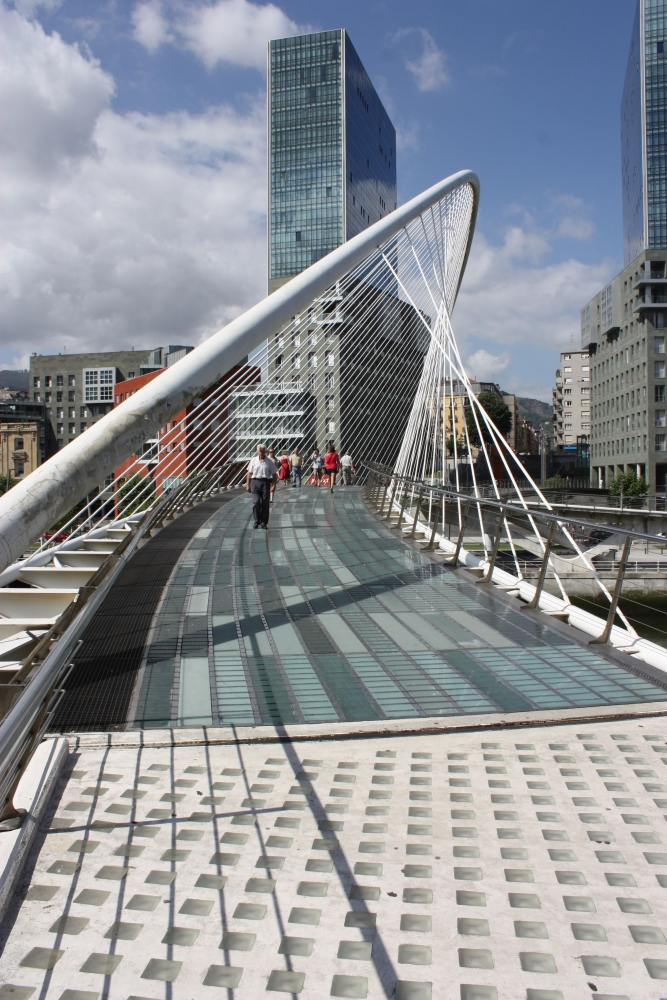 CALATRAVA IN EXTENSO : FROM SPAIN WITH REGARDS. (4/6)