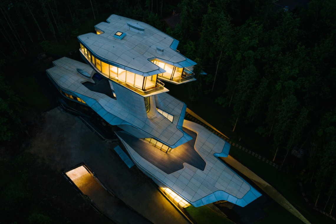 capital-hill-house-zaha-hadid_dezeen_2364_col_1-1
